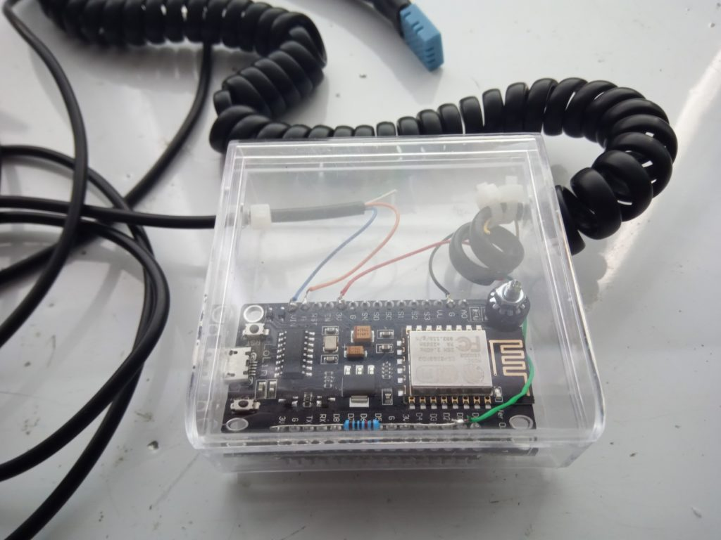 DIY server room monitoring system sensors device